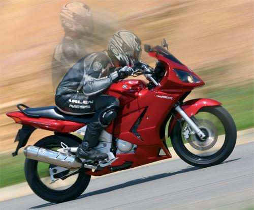 Carenagem na Yamaha Fazer 250