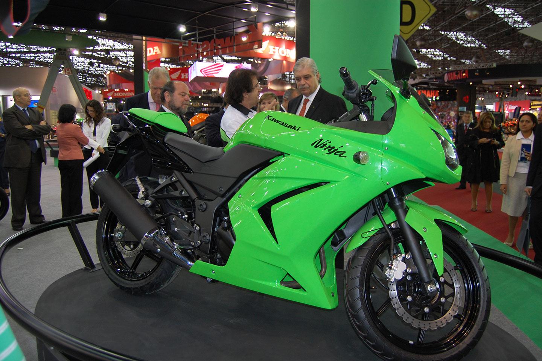 moto kawasaki ninja 250 e boa